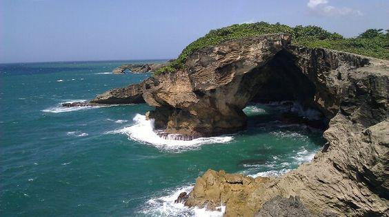 Vista desde La Cueva del Indio, Arecibo PR