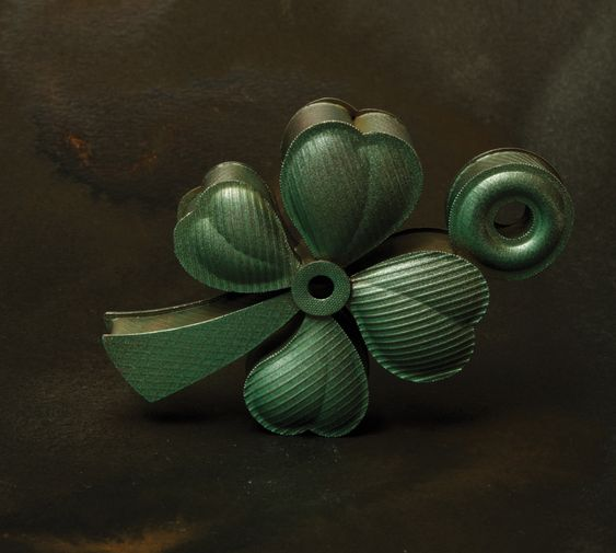 Helen Britton Brooch: Clover, 2016 Silver, paint 7.5 x 4.5 x 1.5 cm Photo by: Helen Britton:
