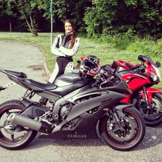 Chesca Miles: Female Stunt Rider Can Teach You A Wheelie or Two http://esr.cc/1fMK51G