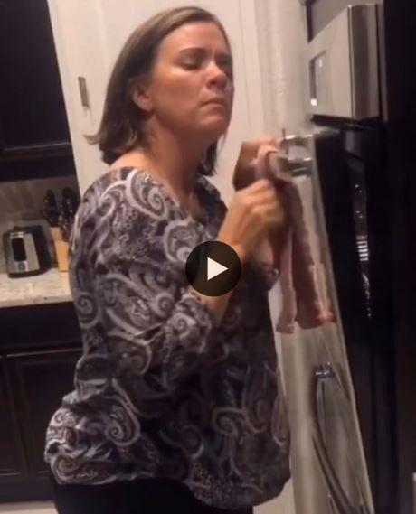 Quando você tá na cozinha e bate aquela loucura pra dança.