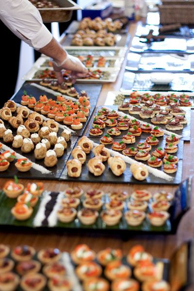 Canapes on slates pasapalos salados pinterest for Canape buffet menus