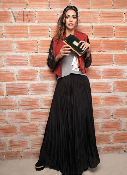 Edición Nº 42. Revista VE. Modelo: Fernanda Alcocer.. Fotografía: Julio González. Vestuario: Kosiuko. Arreglo: MAM.