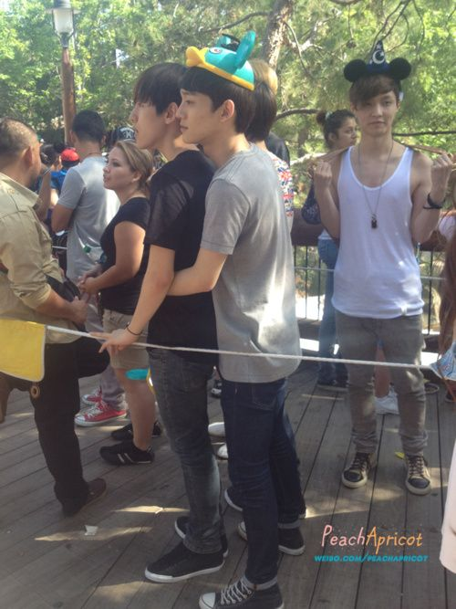 That time when Chen and Baek were mistaken for a gay couple at Disneyland. #NeverForget