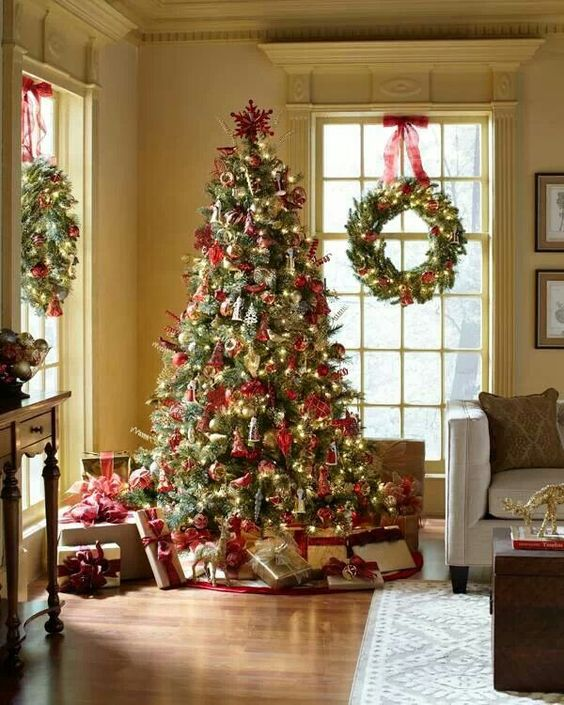 String Lights Christmas Tree Martha Stewart : Martha Stewart Christmas Classic Christmas Pinterest Christmas trees, Fireplaces and Led ...