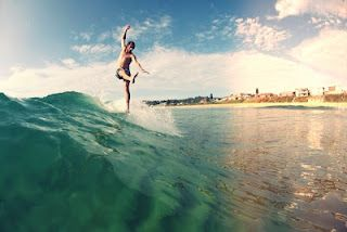 Photo - Kerry Down.   Rider - Ben Conquest .  Shaper - Johnny Gill / KEYO Surfboards
