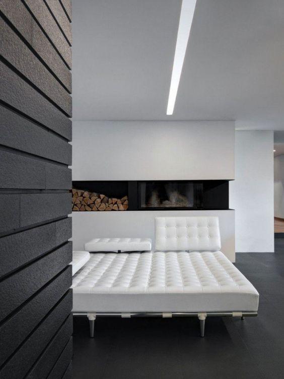 salon ultra moderne de style minimaliste avec chemine contemporaine - Salon Ultra Moderne