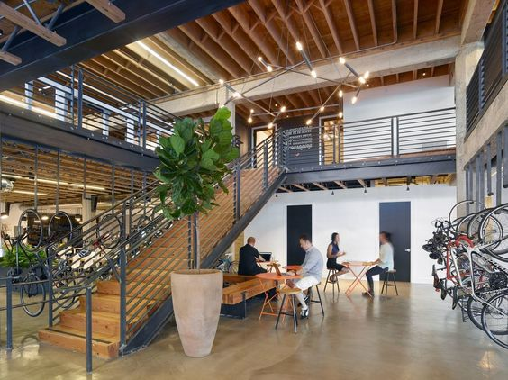 Officelovin': Tech startup offices are the new hiring tools I Andrii Degeler