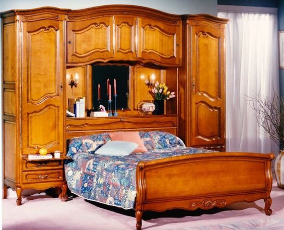 Chambre coucher merisier lit pont style louis xv for Chambre a coucher facebook
