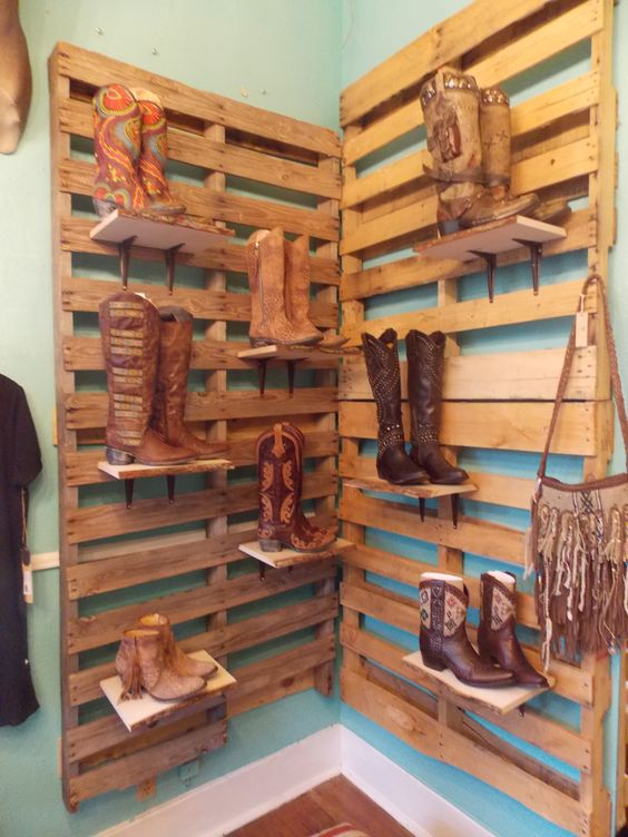 Display cute boots and pallet display on pinterest for Boutique wall displays