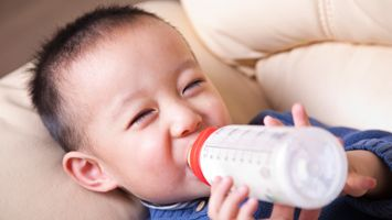 Teaching your child good oral hygiene habits early can lead to a lifelong healthy smile, but did you know that just because babies don't have any visible teeth, doesn't mean they can't get cavities?