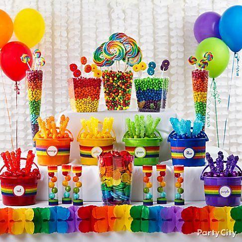 Mesa dulce de paleta arco iris, fabulosa para una fiesta para niñas- #MesasDulcesCali