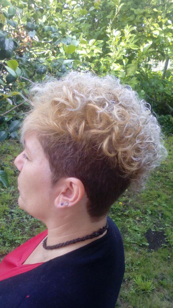 corte de pelo con color y mechas platino