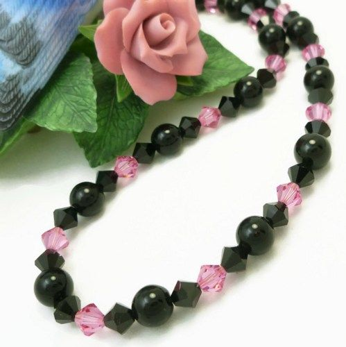 Beautiful eye catching pink and black gemstone and crystal necklace that sparkle and shine with each movement. @dianesdangles #necklace #jewelry