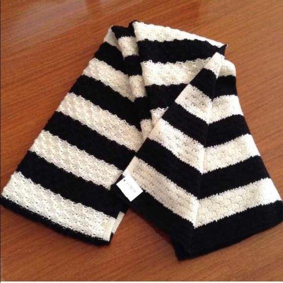 J Crew wool scarf New 50% wool J. Crew Accessories Scarves & Wraps