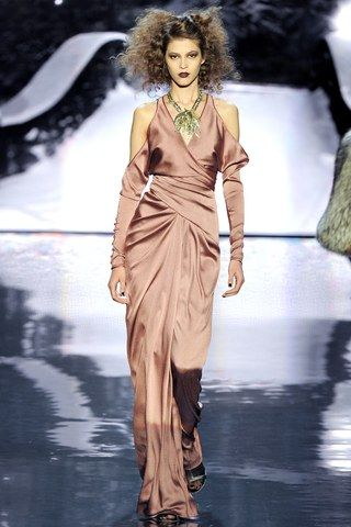 See the complete Badgley Mischka Fall 2012 Ready-to-Wear collection.