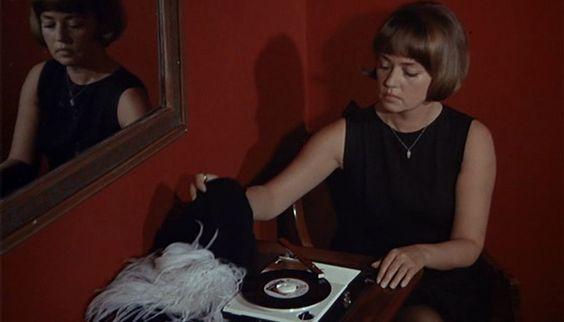 Jeanne Moreau in Truffaut's The Bride Wore Black (1968) #jeannemoreau #truffaut #thebrideworeblack #allblackeverything
