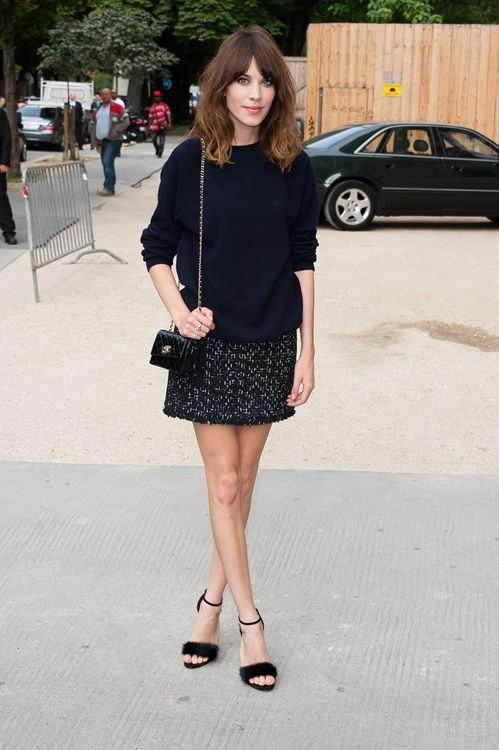 alexa chung front row chanel Black outfit mini skirt Black sweater