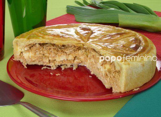 Torta de frango com catupiry e alho-poró