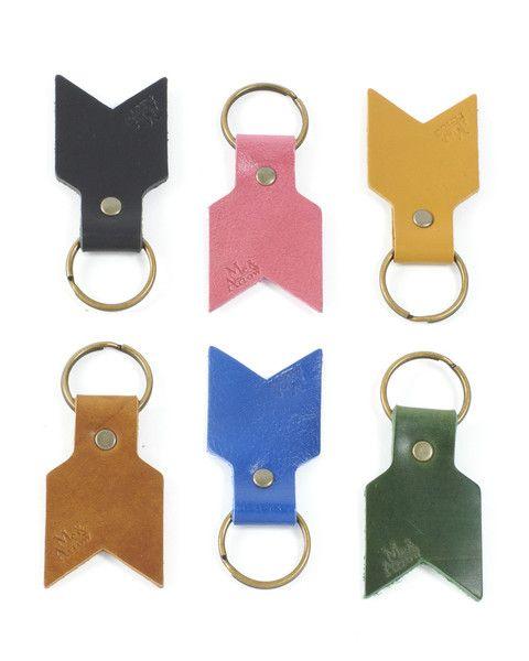 Me & Arrow Keychain.: Arrow Handbags, Leather Arrows, Keychain Colors, Chevron Keychains, Arrow Keychains, Simple Keychains