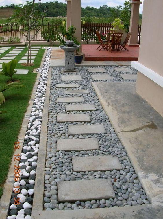 Decora Tu Jardin Con Un Bello Camino De Piedras Paisajismo De Patio Jardines Pavimentacion De Jardin
