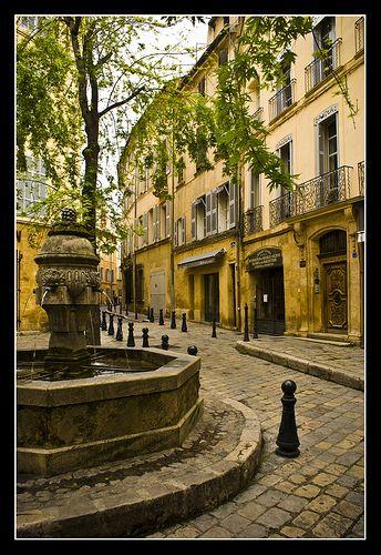 Fountain in Aix en Provence / Fontaine à Aix en Provence  #provence #alpes #cote #azur #tourism #tourisme #france #south #sun #aix #aixenprovence #market #fountain #fontaine