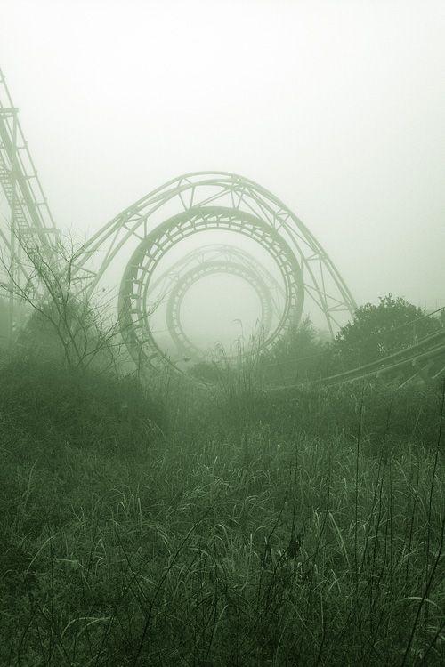 lethefeelingo:  abandoned amusement park