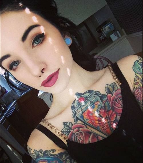girl piercings tattoos inked tattoo stretched ears body modification nose body mod septum body mods nose piercing chest inked girls tattooed girls alternative girls mods alternitive streched ears Modded modifided | PINTEREST: D A N N I∅