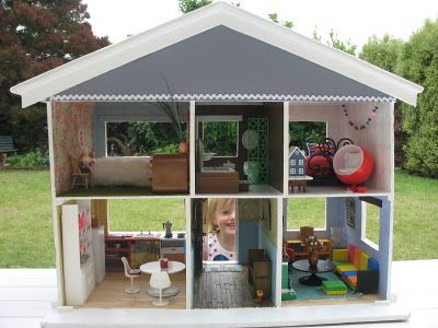 The cutest little dollshouse. I wish i lived in it!