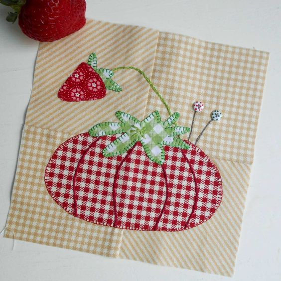 The Splendid Sampler Block no. 43 - Pincushion Love designed by Pat Sloan.  Easy applique with two itsy-bitsy buttons.