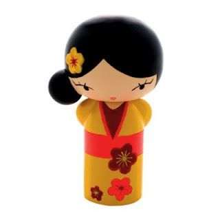 Momiji, cool little message dolls.  I have several from my bff.