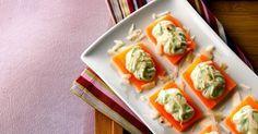 Aprenda a preparar a receita de Canapé de cenoura e pasta de manjericão