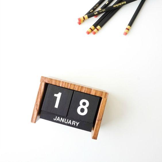 DECORACION FACIL: DIY calendario Flip-clock