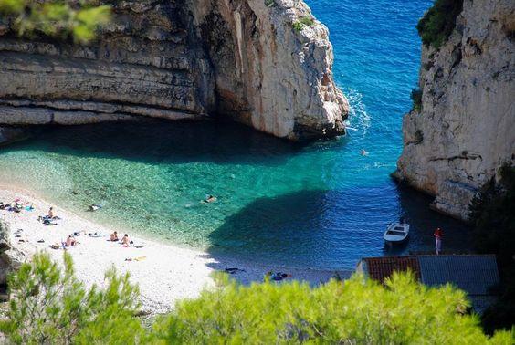 Stiniva beach, Isla de Vis, Croacia