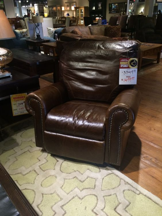 Living room - recliner