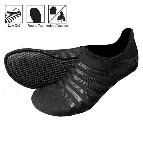 original playa low toe minimalist shoes in black