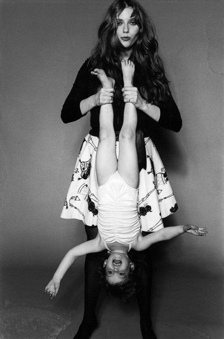 Liv Tyler with her mom Bebe Buell in 1980