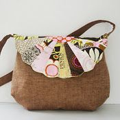 Free pattern, scalloped Dresden bag