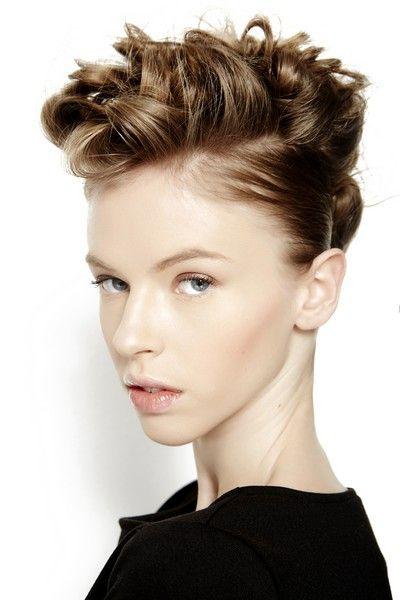 EVOS_PE_2014_taglio corto|morbido. T #capellicorti  #Shorthair #hairstyles #taglicapelli2014 http://www.elle.it/Bellezza-Beauty/capelli-tagli-acconciature-trend-2014-evos-jld#5