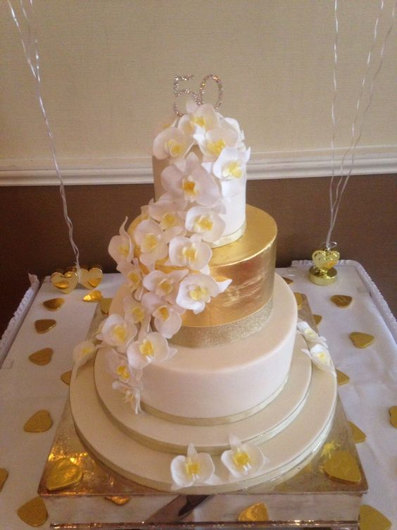 Cake Design For Mother In Law : 50th wedding anniversary cakes, Wedding anniversary cakes ...