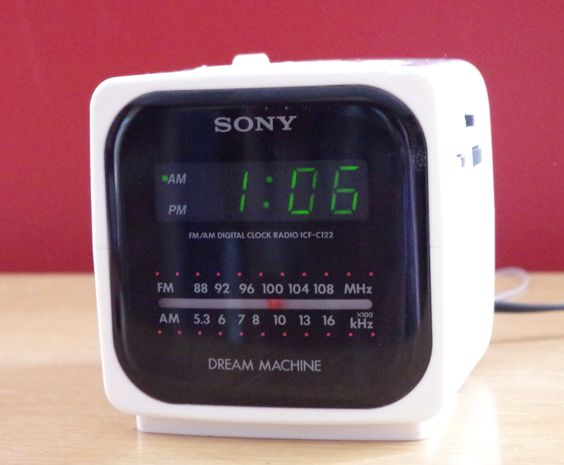 vintage 1980s sony dream machine cube alarm clock radio model icf c122 radios models and 1980s. Black Bedroom Furniture Sets. Home Design Ideas