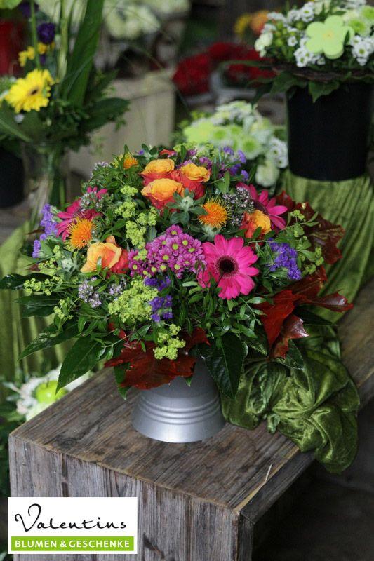 Für sagenhafte Farbtupfer sorgt dieses Blumenarrangement. #Valentins #Blumen #Geschenke #Deko