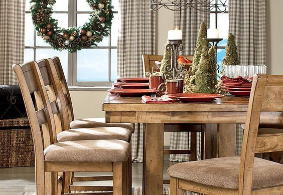 The dining room - always the perfect place to gather all your loved ones for the holidays.