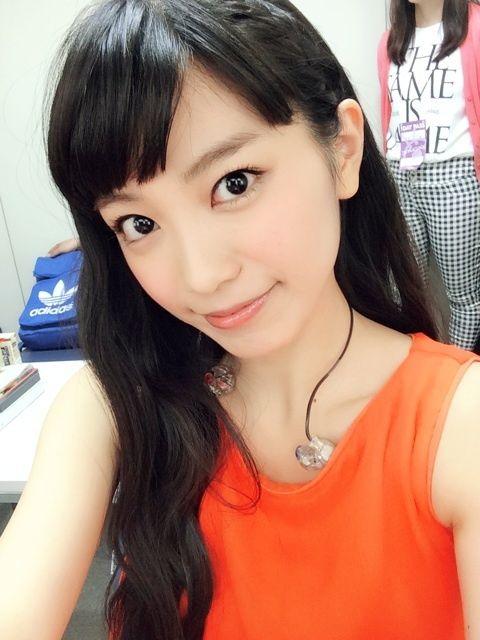 miwaのオレンジカラーノースリーブ