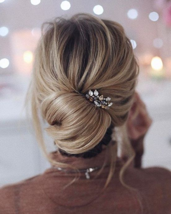 28 Casual Wedding Hairstyles For Effortlessly Chic Brides Hair Styles Wedding Hairstyles For Long Hair Wedding Hair Inspiration