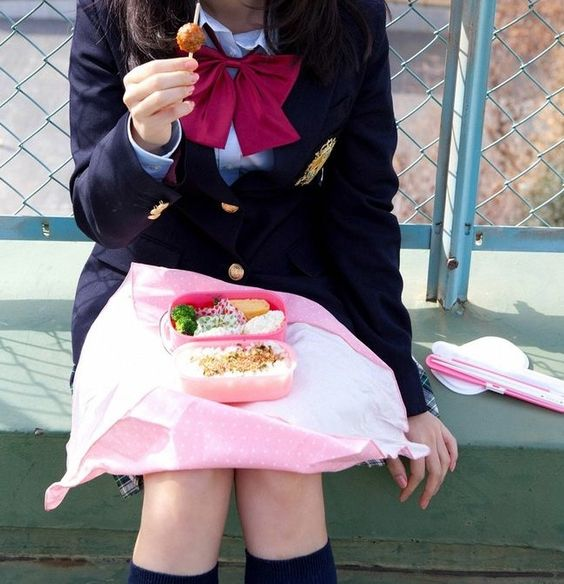 Schools often don't have a cafeteria in Japan, so students come with a bento (lunch box).