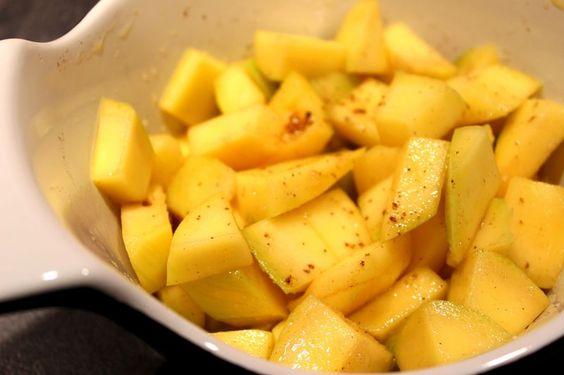 Crêpe à la mangue, vanille et rhum brun