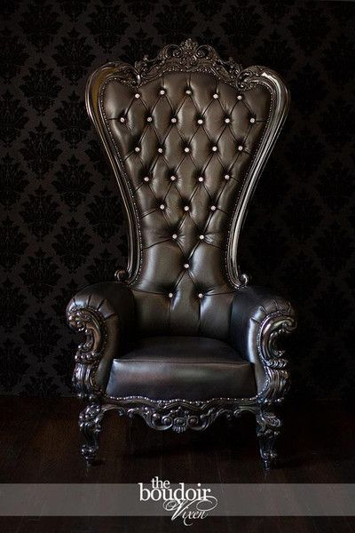 Absolom Roche Chair Black Leather Baroque Pedicures