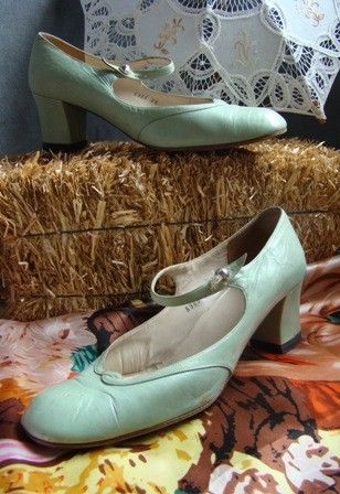 Vintage shoe love!