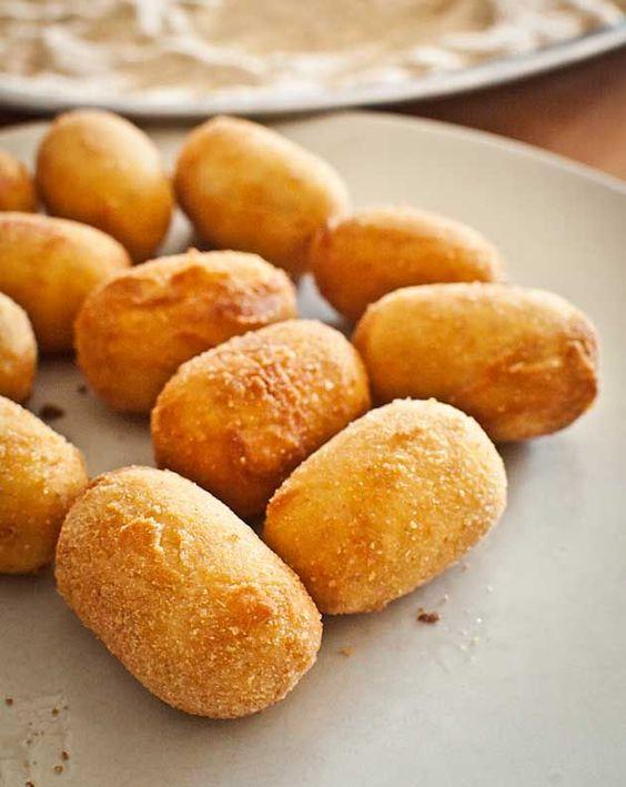 Spanish recipe croquetas spanish tapas recipes for Cuisine translate