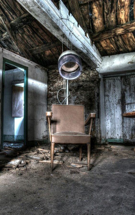 The chair by Carlos Díaz Bacelo on 500px